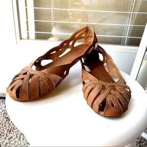 H&M flat shoes in brown